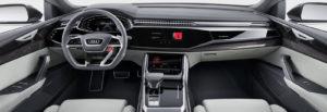 Audi Q8 abitacolo